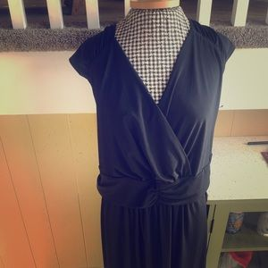 NWT Black Cap-sleeved Maxi Dress